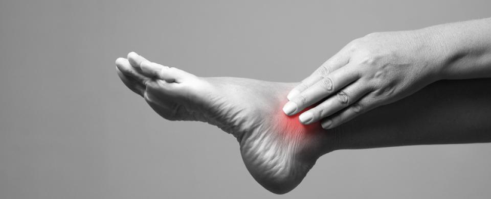 súlyos fájdalom a varikózisos lábak kezelésével