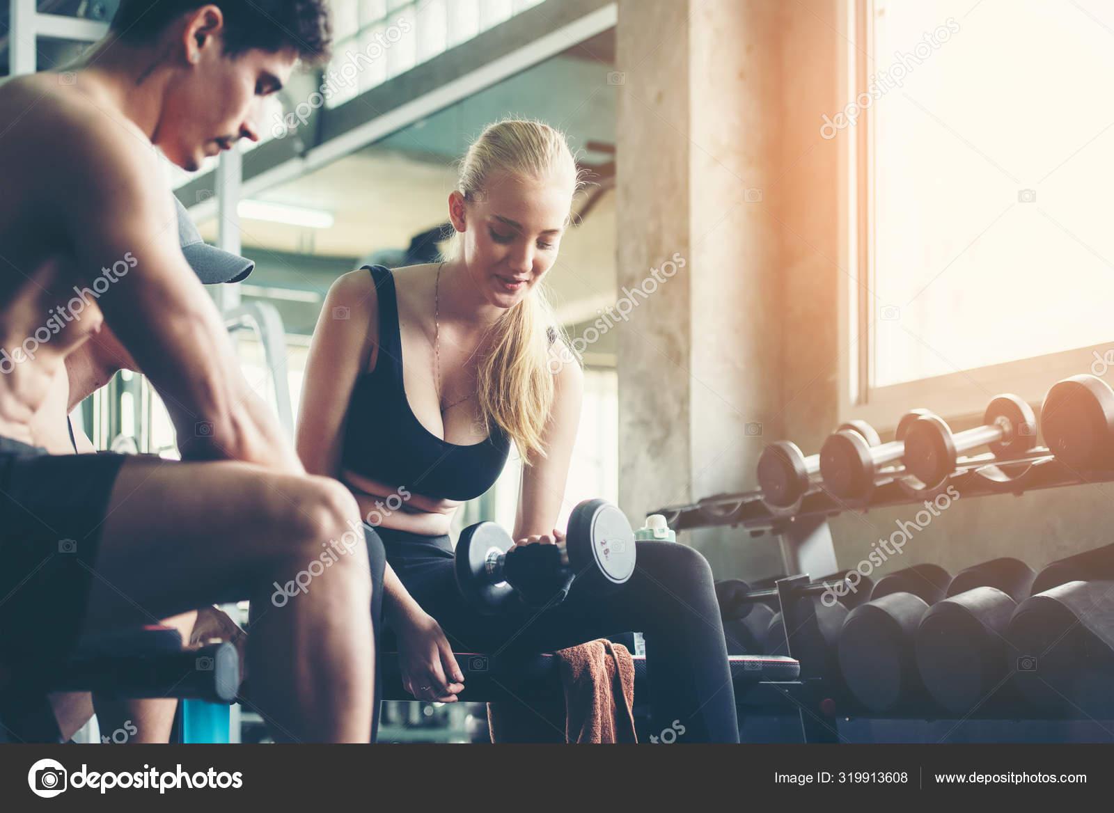 visszérgyakorlás az edzőteremben)