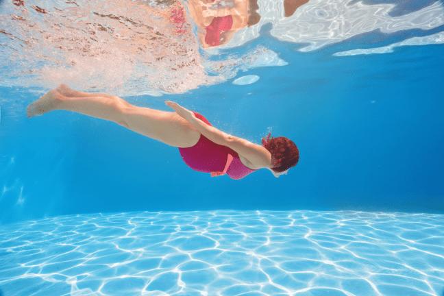 hideg vízben és visszérben úszva hogyan lehet enyhíteni a visszeres lábfájdalmat