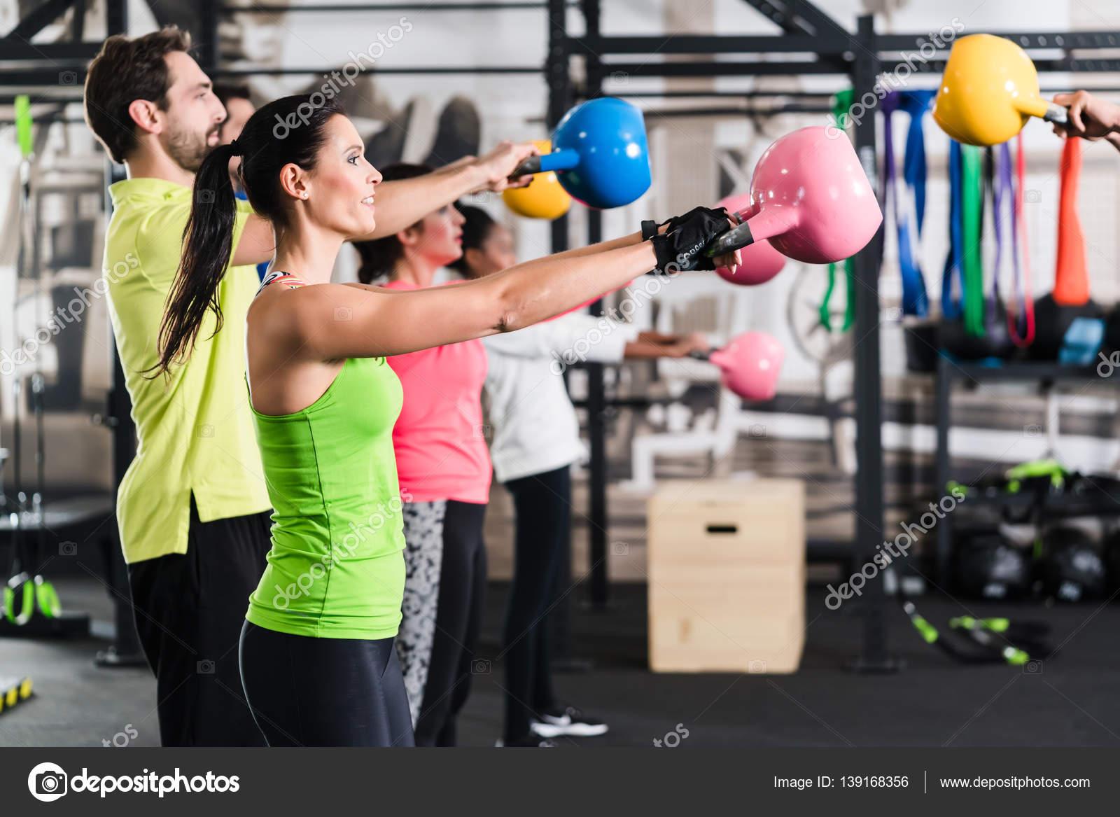 visszérgyakorlás az edzőteremben férfi mez a visszér ellen